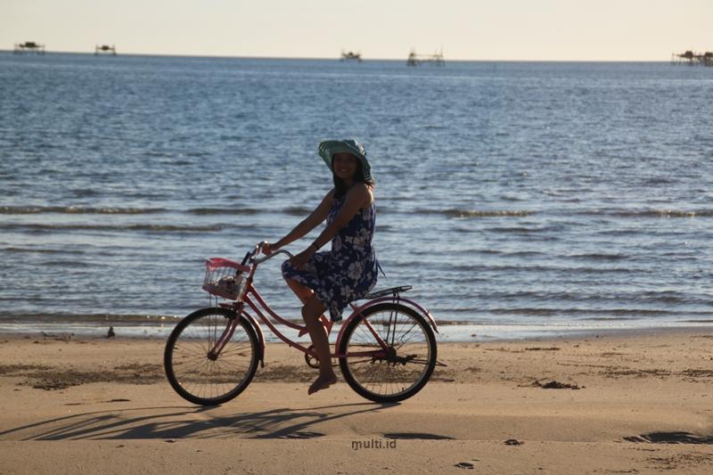aktivitas main sepeda di temajo bay resort